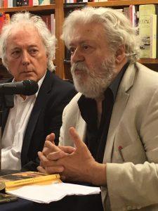 Lluís Boada y Mario Gas, en la librería Laie.
